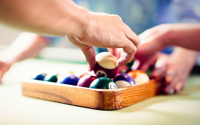 Refelt pool table cost