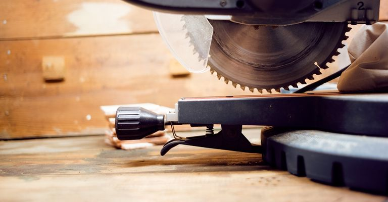 How much does a carpenter cost?