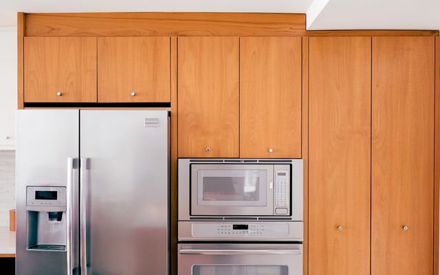Do you tip cabinet installers?