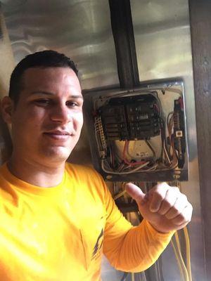 Ángel electric Largo, FL Thumbtack