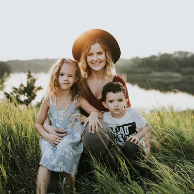 Elena Russell Photography Sioux Falls, SD Thumbtack