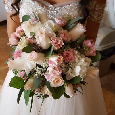 Fresh & Fancy Flowers by Leslie Corona, CA Thumbtack