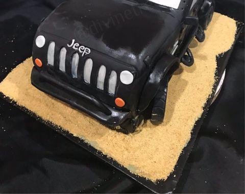 Jeep Wrangler cake