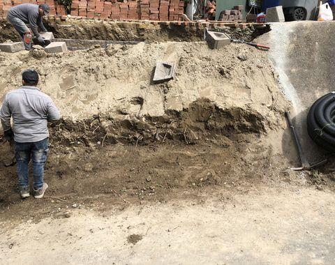 mulching retaining wall and pavers