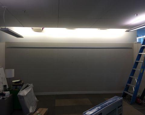 10 TV mounting at the same wall