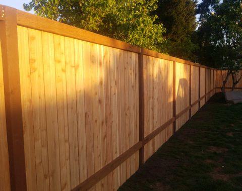 fence install 275 linear feet