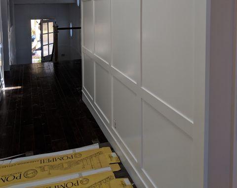Wainscott, T&G ceiling baseboard and barn door