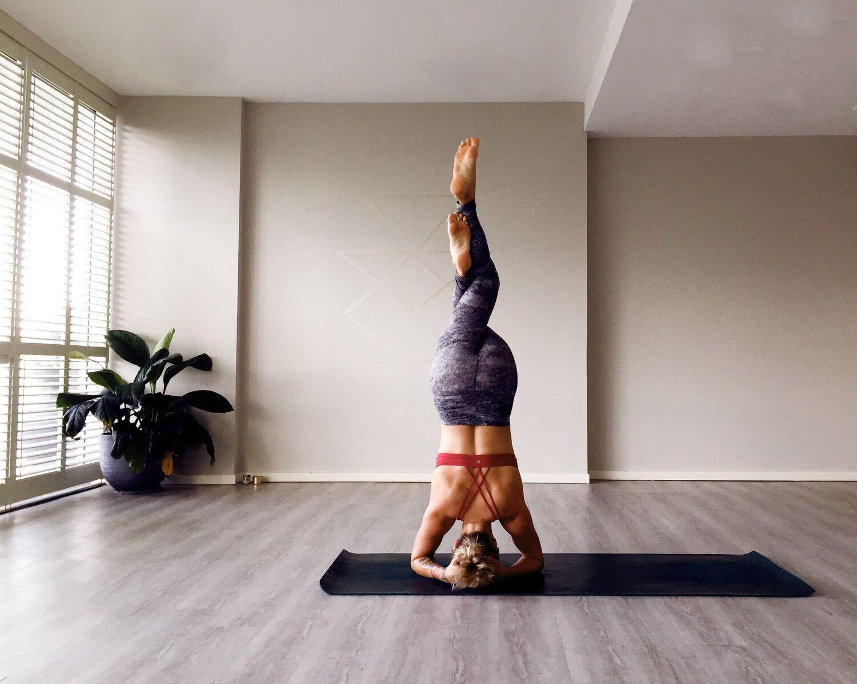 yoga-lessons-in-studio