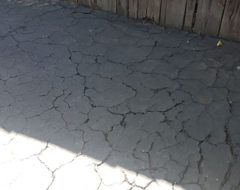 Asphalt Driveway Resurfacing and Sealcoating