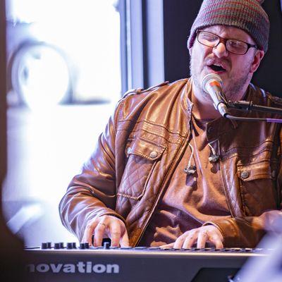 //Curtis Wayne Hunt : independent artist : Saint Paul, MN Thumbtack