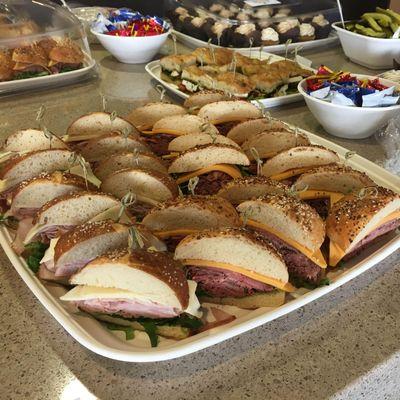 Baker's Dozen Catering Columbus, OH Thumbtack